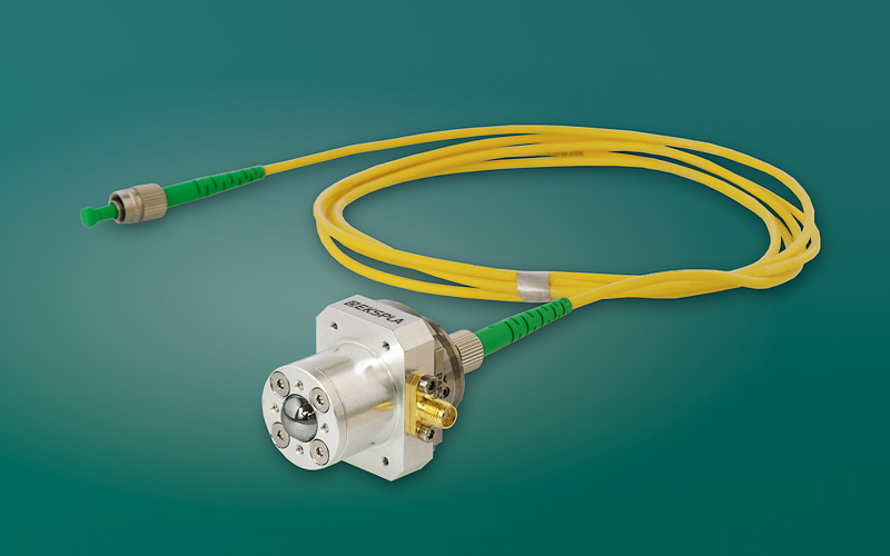 Fiber-coupled THz emitter and detector