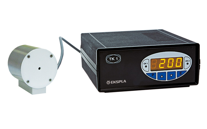 Temperature controller TK1 with nonlinear crystal oven KK1